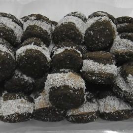 Alfajores de algarroba y dulce de leche Cobelli & Guzini x 1/4 Kg